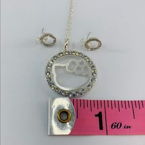 5e5b3d969 TOTTILUXERY&CO Jewelry - Hello kitty necklace and studs 925 sterling silver